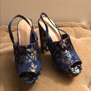 Size 6 blue floral print heels by Wild Diva Lounge
